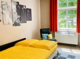 Villa FeWo mit 2 separaten Schlafzimmern, zentral gelegen, Ferienwohnung in Chemnitz