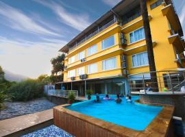 Lake View Resort, resort in Lonavala
