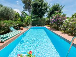 Appia Antica Cottage, hotel with pools in Rome