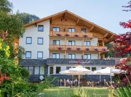 SCHÖNIS-Landhotel, Hotel in Bad Mitterndorf
