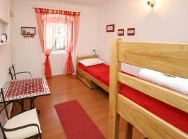 Corner Old Town Hostel, hostel in Zadar