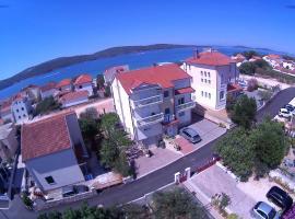 Apartments Martina, hotel near Fortress of St. Nicholas, Zablaće