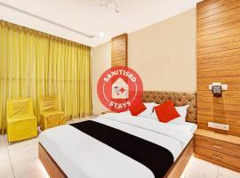 Capital O 81305 Hotel Ekana, hotel near JECRC University, Jaipur