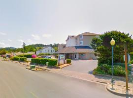Siletz Bay Beachfront Hotel by OYO Lincoln City, hotel in Lincoln City