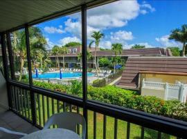 IM B-7 - Island Manor condo, apartment in Marco Island