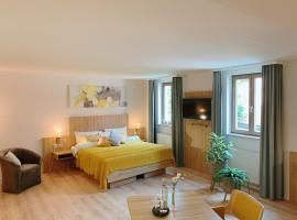Hotel Blauer Wolf, hotel near Stadthalle, Gunzenhausen