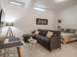 Eleni's Studio, budget hotel in Heraklio Town