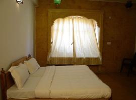 Dhamiya Hotel, hotel in Jaisalmer