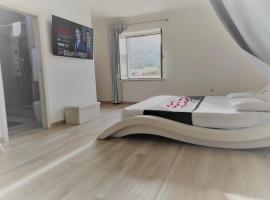 Romantica Suite Luna, guest house in Orosei