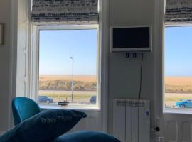 Beach View - SEA VIEWS, apartment in Lytham St Annes