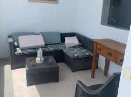 Las Rosas Apartment (Adults Only), hotel near Jameos del  Agua Caves, Punta Mujeres