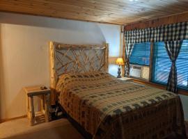 Adirondack Diamond Point Lodge, room in Lake George