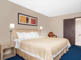 Norwood Inn & Suites La Crosse, hôtel à La Crosse