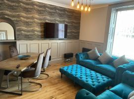 Newly Refurbished Apartment with Garden, apartment in Ayr