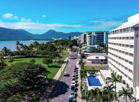 Holiday Inn Cairns Harbourside, an IHG Hotel, hotel in Cairns