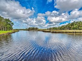 Mason Creek Retreat, Half-Mile to Boat Ramp!, villa in Homosassa