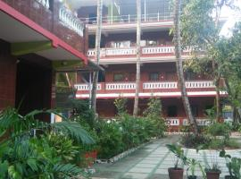 official selfia guest house, hotel in Marmagao