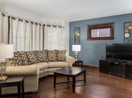 The Evergreen - Hear the Roar of Niagara Falls, apartment in Niagara Falls