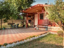 Funny house, vacation home in Pula
