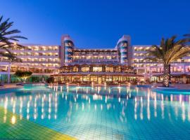 Constantinou Bros Athena Beach Hotel, hotel di Paphos City