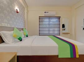 Treebo Trend Golden Terminal, hotel in Cochin