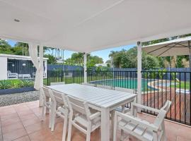 Endeavour Holiday House Clifton Beach, vacation home in Clifton Beach