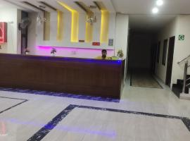 Hotel kb square, apartment in Chandīgarh