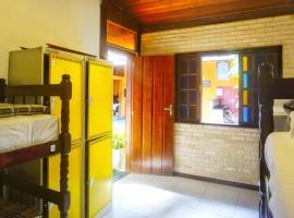 Biergarten Hostel, hostel in Abraão