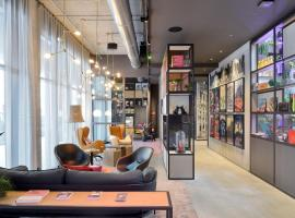 Moxy Brussels City Center, hotel near Place Royale, Brussels