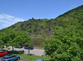 Casa De Oro - Moselblick, Ferienwohnung in Ellenz-Poltersdorf