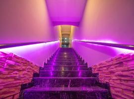 Tarqovi Hotel, hotel in Baku
