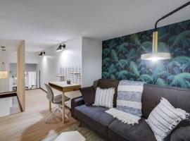 194-Maison Parisienne Private Suite, holiday home in Paris