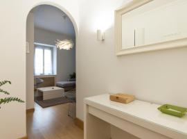 Finely Furnished Apartment in Historical Center, apartment in Milan