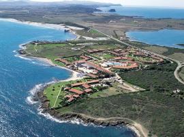 Le Tonnare di Stintino - Beach Resort, hotell i Stintino