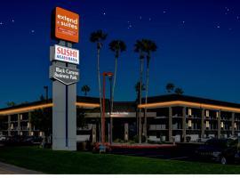 Extend-a-Suites Phoenix Metro, hotel in Phoenix