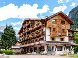 Hotel Salvan, hotel in Campitello di Fassa