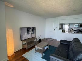 Lovely one bedroom apartment, with pool, Miami, hotel in Miami