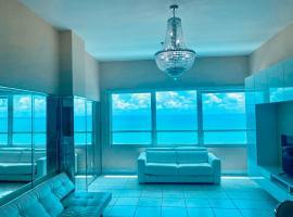 Castle Beach Resort Condo Penthouse or 1BR Direct Ocean View, apartamento em Miami Beach