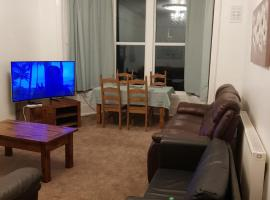 Two bed ground floor flat near town and beach, apartment in Weston-super-Mare