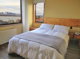 Hotel Saltos del Paine, hotel in Puerto Natales