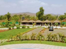 Sentosa Farms, luxury tent in Chinchavli