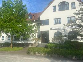 Hotel Spitze Warte, hotel near Hellweg Brine Thermal Bath, Rüthen