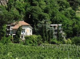 Villa Sasso, apartment in Merano