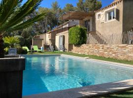 Maison ensoleillée à 15 minutes de CASSIS, holiday home in Marseille