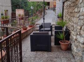 Casa Vacanze in Marina di Pisciotta con Terrazzo, villa in Pisciotta