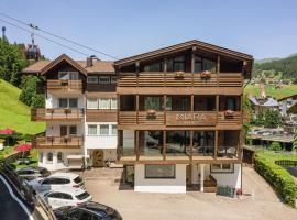 Garni Hotel Miara, hotel in Selva di Val Gardena