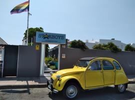 Starboys Gay Resort - Gay Men Only, hotel in Maspalomas