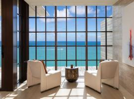 HIGH LUXURY & PRIVATE BALCONY - POOL & OCEAN VIEW, hotel in Miami