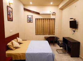 HOTEL GREEN HILLOCK, room in Alwar