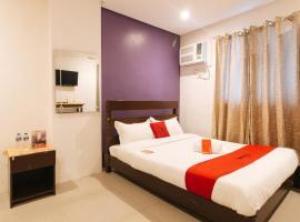 RedDoorz Plus @ SD Nakpil Malate, hotel in Manila